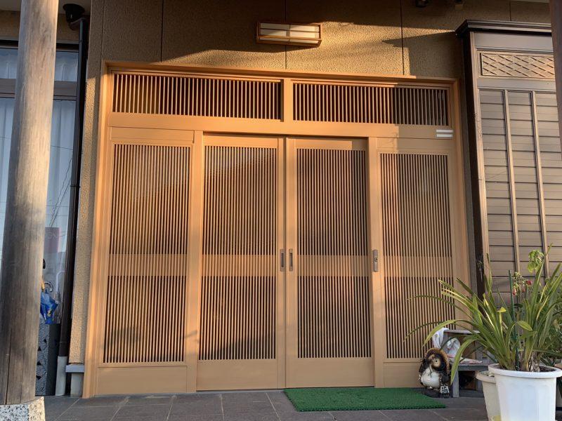 豊田市H様邸 玄関4枚引き戸 貼替工事
